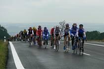 Doufejme, že o víkendu bude cyklistům přát počasí.