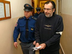 Rudolf Stolarik si vyslechl osvobozující verdikt.