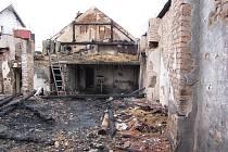 Požár hospodářského stavení v Horních Bludovicích