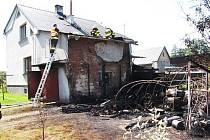 Čtvrteční požár v Dětmarovicích.