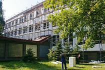 Rekonstrukce vysoké školy na Nezvalově ulici