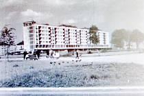 Snímek z konce šedesátých let minulého století pořízený na náměstí Republiky.