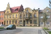 Snímek z října 2009 zachycuje bývalou bohumínskou radnici na náměstí Svobody.