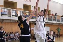 Basketbalová družstva Sokola vyhrávala.