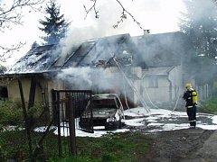 Hasiči zasahovali při požáru v Dětmarovicích