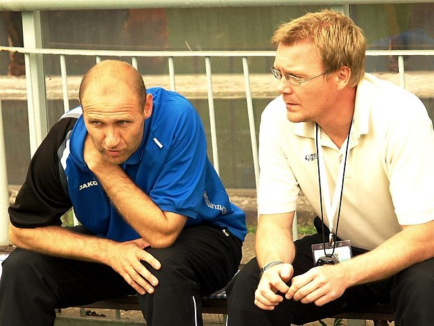 Vladimír Skalba (vlevo) rozšíří realizační tým druholigových karvinských fotbalistů.