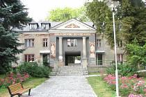 Současnost. Základní umělecká škola Viléma Wunscheho v Šenově.