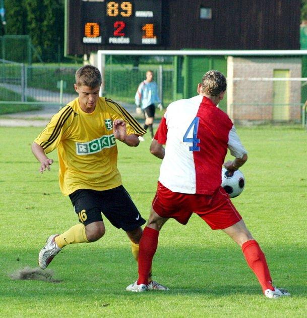 Zahraje si proti HFK Olomouc někdo z karvinských mladíků? Třeba Tomáš Jursa (na snímku vlevo), jenž rozhodl pohárový duel v Orlové?