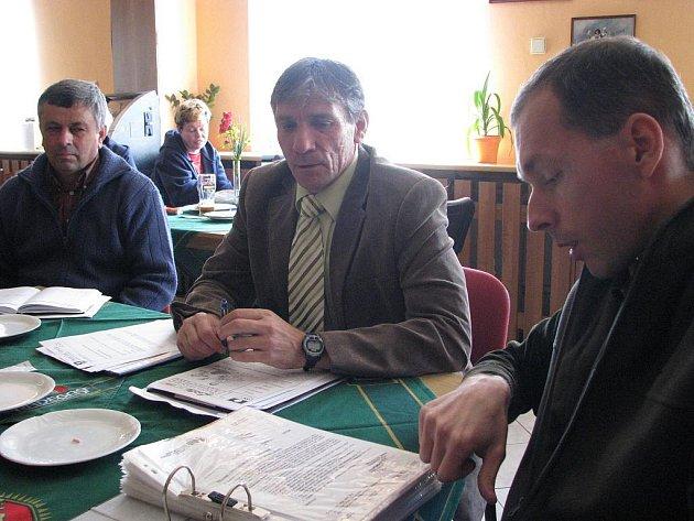 Těrličtí zastupitelé (zleva) Josef Macura, Vavřinec Fójcik a Martiin Polášek