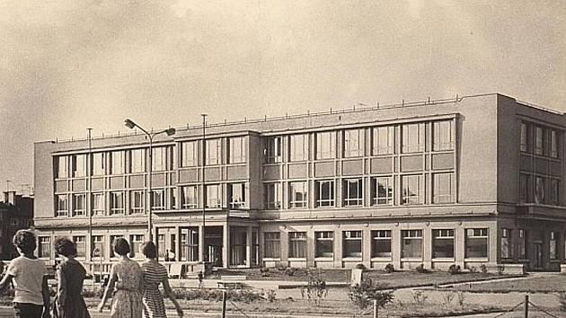 af0005de169 Kulturní dům Petra Bezruče v Havířově má padesát let - Karvinský a ...