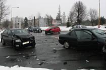 Dopravní nehoda čtyř aut u Merkuru