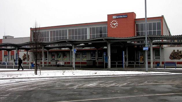 Obnovená budova vlakového nádraží v Karviné