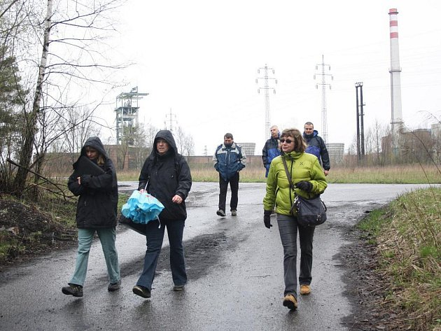 Úředníci i občané si mohli prohlédnout lokalitu, kde se má stavět spalovna odpadu