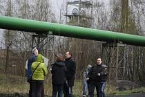 Místo, kde by měla stát spalovna odpadu. V dubnu 2011 si ho prohlédli také úředníci a občané.