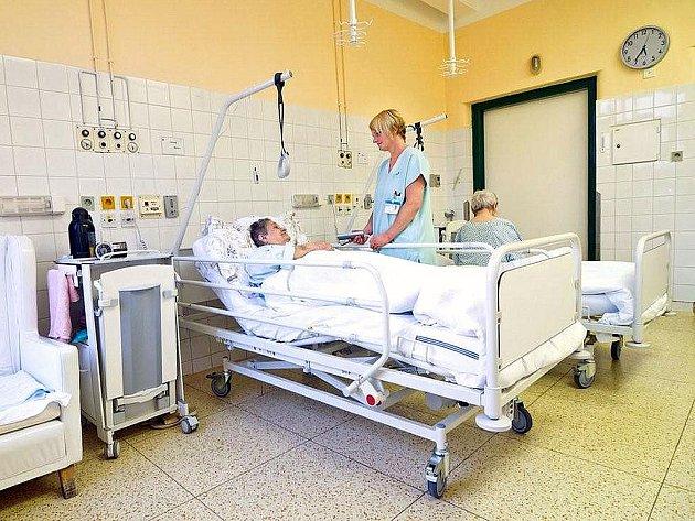 Nemocnice v Českém Těšíně vybavila pokoje novými lůžky