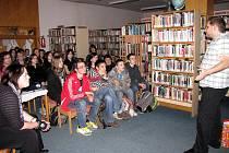 Přednáška Martina Kubína v knihovně ve Společenském domě.