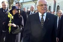 Prezident Václav Klaus s manželkou Livií při návštěvě Karvinska. Na snímku v Bohumíně.
