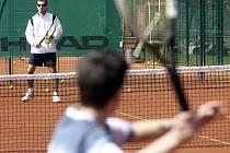 Tenisová sezona pod otevřeným nebem skončila.