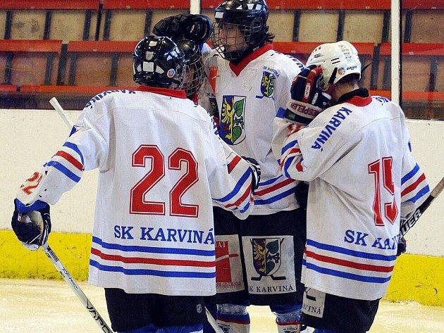 Mládežnické soutěže pokračovaly o víkendu dalšími zápasy.