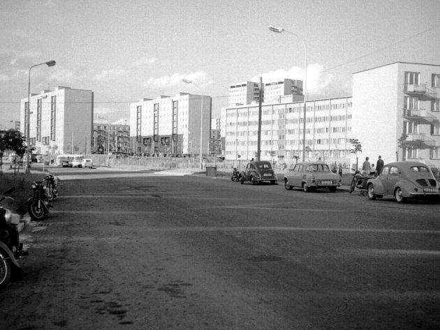 Ulice 40.výročí KSČ kolem roku 1965.