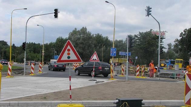 Rekonstrukce velkého kruhového objezdu v Havířově a instalace semaforů