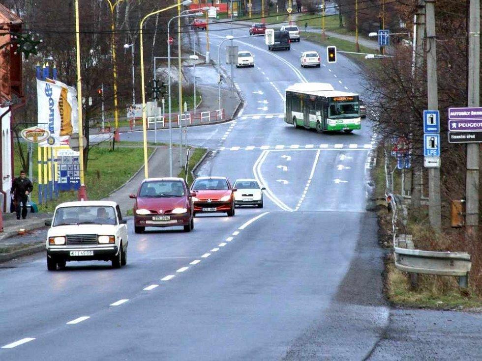 Někteří řidiči možnost předjíždět uvítali, jiní čekají, že se v kopci stane více nehod.