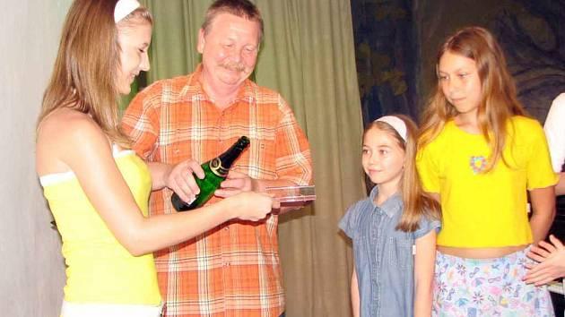 Aleš Milerský pokřtil nové CD umělecké školy.