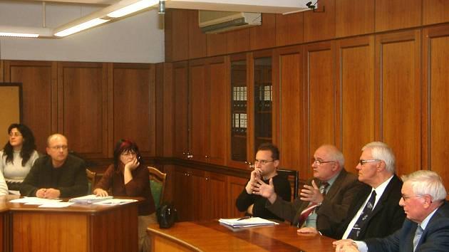 Lékaři s městem jednali o znění nájemních smluv v pěti zdravotních střediscích, které Havířov koupil od kraje.