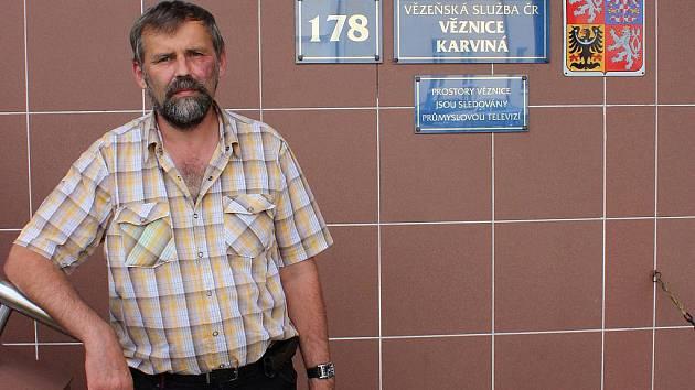 Pastor Vladislav Szkandera pracuje také jako vězeňský kaplan v karvinském nápravném zařízení.