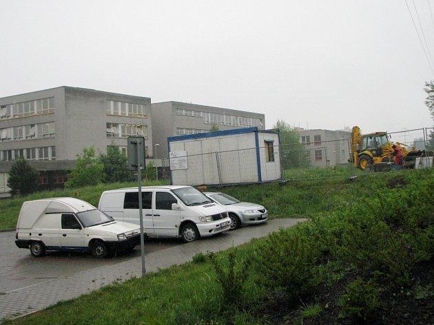 Stavba silnice na Letní ulici v Šumbarku
