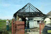 Požár zachvátil hospodářské stavení
