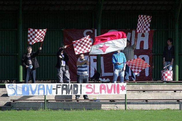 Fotbalisty Slavie podporují i fandové jiných orlovských klubů.