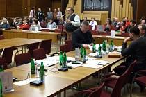 Své připomínky mohli kvůli pozdnímu příchodu zastupitelů přednést Havířované s patnáctiminutovým zpožděním.
