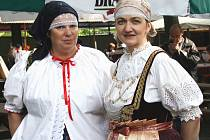 Těšínské kroje byly o víkendu k vidění v ulicích města nad Olší.