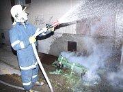 Zásah hasičů u hořících kontejnerů