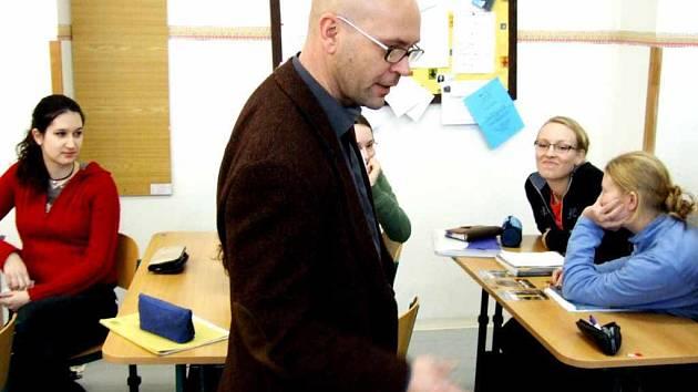Lektorem německého jazyka pro přípravu žáků k získání Německého jazykového diplomu je na Gymnáziu Studentská Jörg Höchfeld.