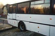 Uvíznutý autobus.