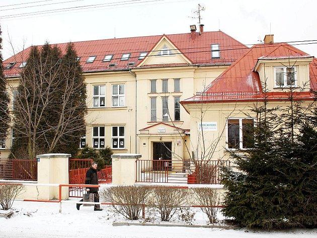 Školáci z Petrovic budou mít novou novou tělocvinu.