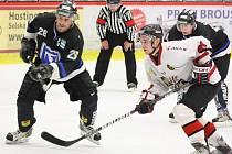 Havířovští hokejisté (černé dresy) opět nadělovali. Frýdku-Místku nastříleli na rozloučenou jedenáct branek a jsou v semifinále II. ligy.