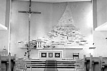 Interiér kostela sv. Anny před přestavbou.