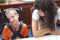 O postižené děti se tradičně staraly studentky Pedagogického lycea se Střední školy v Havířově-Prostřední Suché.