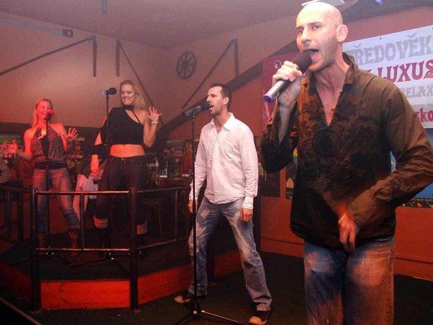 Skupina Maduar se představila v Havířově poprvé a zahrála své největší hity.