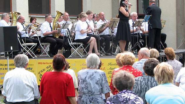 Azeťanka byla prvním hudebním tělesem letního cyklu promenádních koncertů.