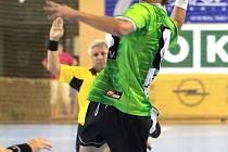 Mladí házenkáři Karviné (na snímku Adam Mihalcsák) postupují v Žákovské lize.