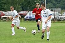 Petrovičtí fotbalisté rozstříleli Lichnov 6:1.