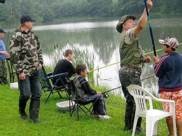 Rybářský den pro děti z domova