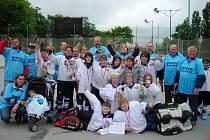 Malí karvinští hokejbalisté, chlapci i děvčata, se stali vicemistry republiky v kategorii mladšího žactva.