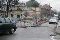 V Českém Těšíně probíhá oprava mostu přes Olši a komplikuje tak dopravu ve směru do Polska