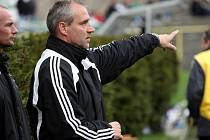 Trenér Karel Kula už je se svým týmem čtvrtý.