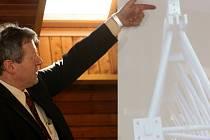 Šéf vyšetřovacího týmu Komenius Jiří Jícha na čtvrteční tiskové besedě informoval o průběhu vyšetřování srpnové železniční tragédie ve Studénce na Novojičínsku.